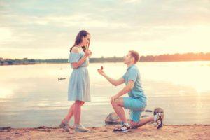 vintage aquamarine engagement ring buying guide