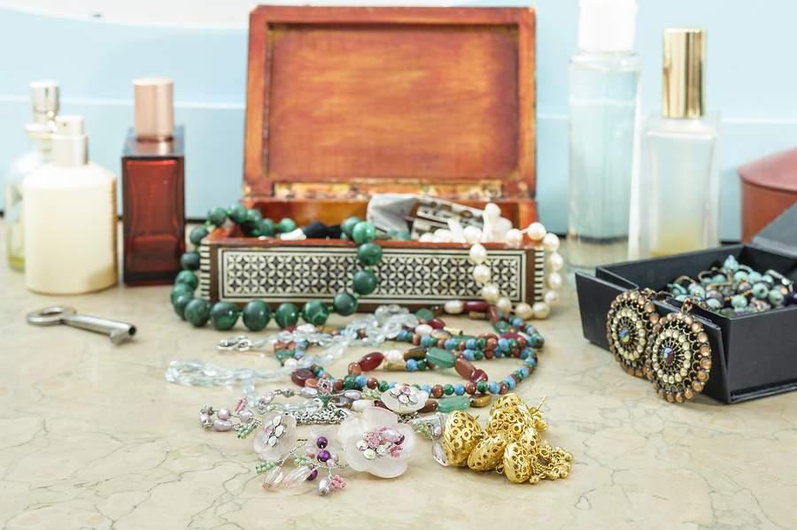dating bijuterii din sarah coventry
