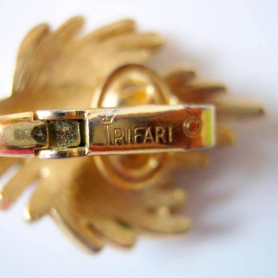 Earrings value trifari Trifari Jewelry