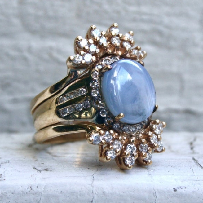 Vintage 14K Yellow Gold Star Sapphire and Diamond Ring