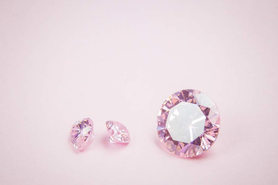 How to save money buying a pink diamond