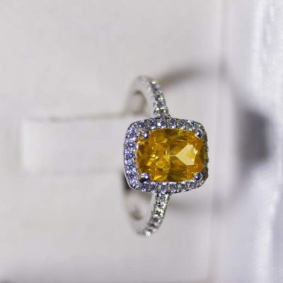 How to Buy a Yellow Diamond – An Informative Guide
