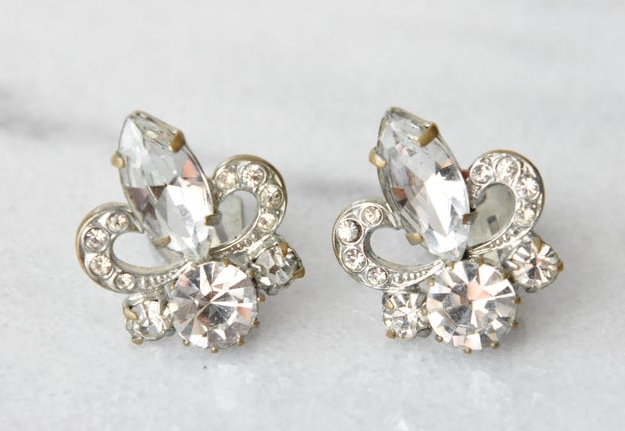 Vintage Fleur-de-Lis Rhinestone Earrings from airandgracevintage on Etsy
